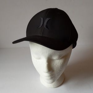 Hurley Flexfit Nike dri-fit black cap-sz L-XL